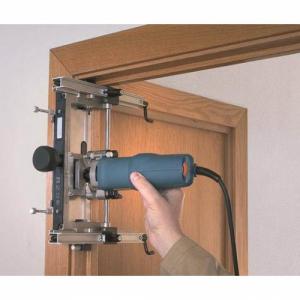 Особенности установки межкомнатной двери